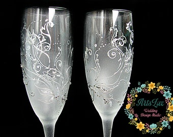 Frosty Wedding champagne Glasses hand painted-Silver Wedding toasting flutes-Rhinestones Winter Wedding favor-Wedding Gift-Winter wedding