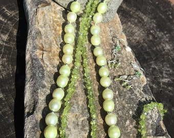 Peridot and Freshwater Pearl Necklace Set