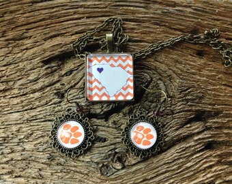 Clemson Tigers necklace and earrings set: Clemson University chevron and paw set