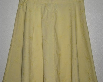 St. John's Bay Women's Size 8 Yellow Stretch A Line Knee Length Skirt