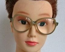 Vintage beautiful reading glass Retro eyeweares Old optometry Oversized eyeglass frame Women men eyeglasses Old grandpas grandmas Hipster