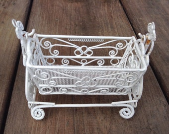 DOLLHOUSE Vintage Ornate Victorian Wire Rattan/Wicker Rocking Baby Cradle, Bassinet/Bed