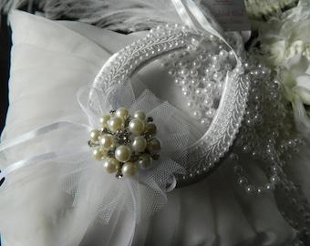 Wedding Good Luck Horseshoe Keepsake White satin - Diamante Pearl brooch