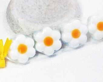 Daisy Soap, Flower Soap, Melt and Pour Soap, Glycerin Soap, Novelty Soap, Guest Soap, Gift Soap, Party Favors, Palm Free Soap, Vegan Soap