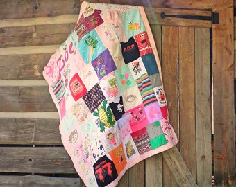 Quilt - Memory Quilt, T-shirt quilt, Clothing quilt, Baby clothes quilt, baby first year quilt - ANY QUILT