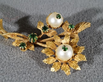 Vintage Yellow Gold Tone Faux Pearl Rhinestone Flower Design Leaf Pin Brooch Jewelry    K