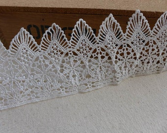 Venice Lace White Wedding Scalloped Lace Trim for Bridal Dress, Crown, Cakes