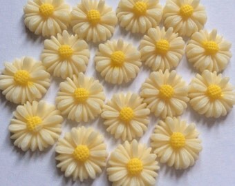 10 pcs 13 mm Ivory cabochon Flower,13 mm Ivory resin Flower.Ivory sunflower cabochon,ivory sunflower,ivory resin cabochon,13 mm ivory flower