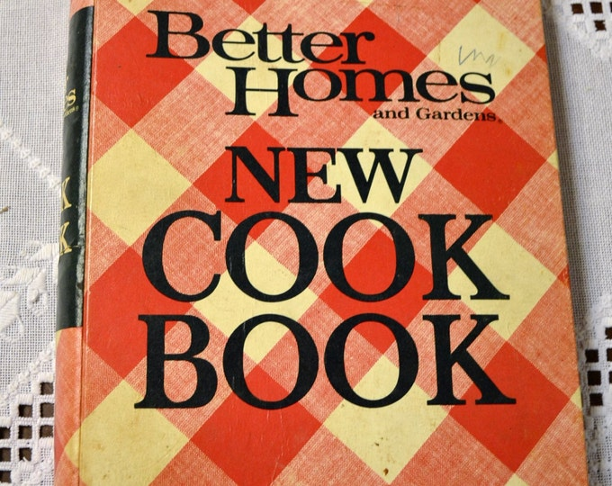 Better Homes Cookbook 1968 Hardback 3 Ring Vintage Used Book Craft Supplies Vintage Decor PanchosPorch
