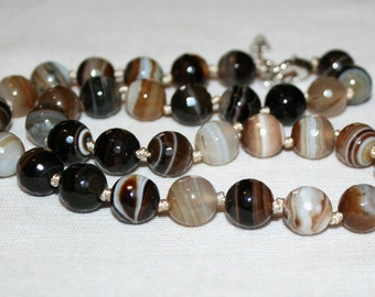 Faceted agate beads 10 mm.