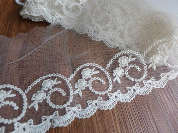Cream Embroidery Scalloped Edging Lace Lovely Bows Floral Trim