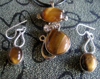 After Christmas Sale VINTAGE: Rare Vintage Tiger's Eye Necklace +Earrings-Tiger's Eye Pendant-Tiger's Eye Earrings-Silver Necklace