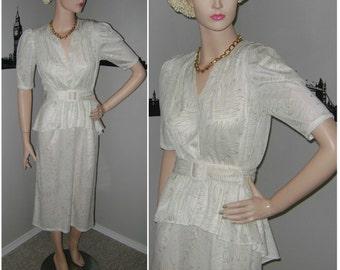 Vintage 80s White Peplum Dress Sparkly Retro New Wave Dress Aurora Borealis Gold Leaf Pattern 1980s Wedding Prom Grad Formal Cocktail Dress