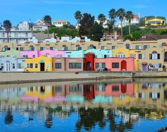 color photo of the famous capitola colorful hotel near santa cruz