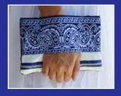 Blue and white clutch bag, wrist wallet, clutch, pouch bag, white and blue fabric