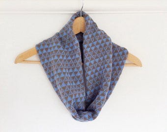 Snood scarf / cowl in cotton - ladies jacquard triangle pattern