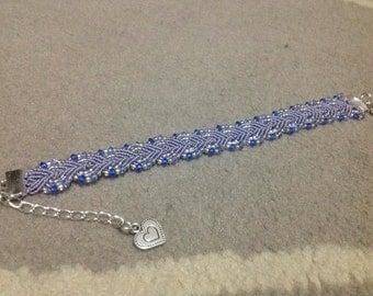 Leaf blue macrame bracelet