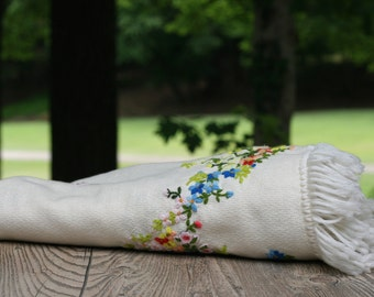 Vintage Floral Embroidered Wool Shawl / Floral Shawl / Ivory Embroidered Wool Wrap