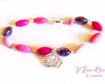 "Bracelet ""Princess Crown"", with oval beads of velvety-effect and a crown-shaped charm studded with rhinestones, boho chic princess baby girl"