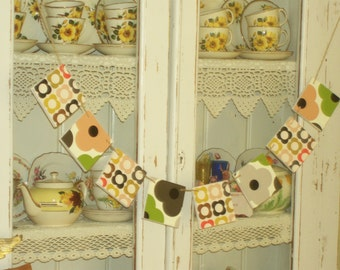 Handcrafted Wooden Bunting Made Using Orla Kiely NEW Design Garland Dresser Wall Shelf Display Hanging Retro Vintage Home Unique Style Gift