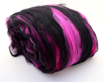 "Merino spinning batt, merino fiber, felting batt, hand dyed, pink, black, drum carded smooth, 21.5 microns,  Colorway  ""Pink visions"" 4 oz"