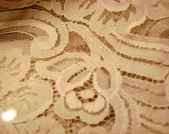 """5 YARD LOT! Stunning Vintage Wedding Lace - 1940s-50s Ecru Scalloped Edge Lace ~ 5"""" Wide - Add'l yardage available"""