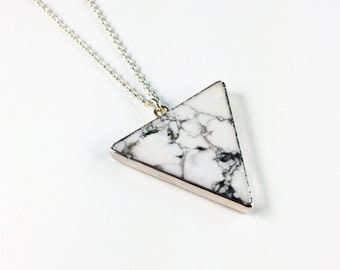AVA Necklace with marbled howlith pendant