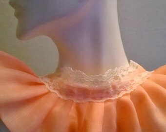 Coral ruffle pleated lace choker