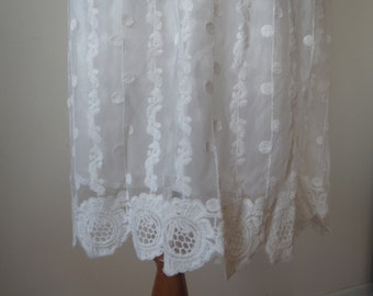 Retro Style Elegant Lace Skirt with Crochet Lace Hem White Color