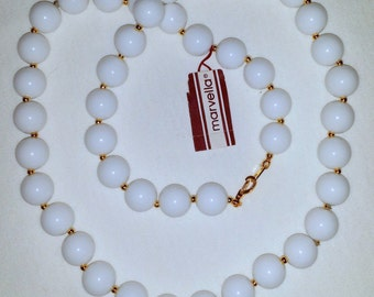 Vintage Marvella Gold Tone White 10mm Beads Beaded Necklace