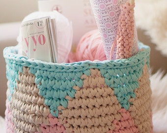 Tapestry Crochet basket woven by hand with Trapillo