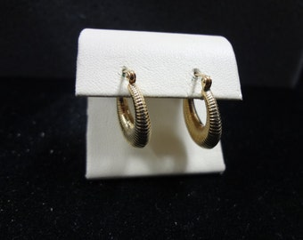 Beautiful 14k Yellow Gold Hoop Earrings with a Ribbed Design