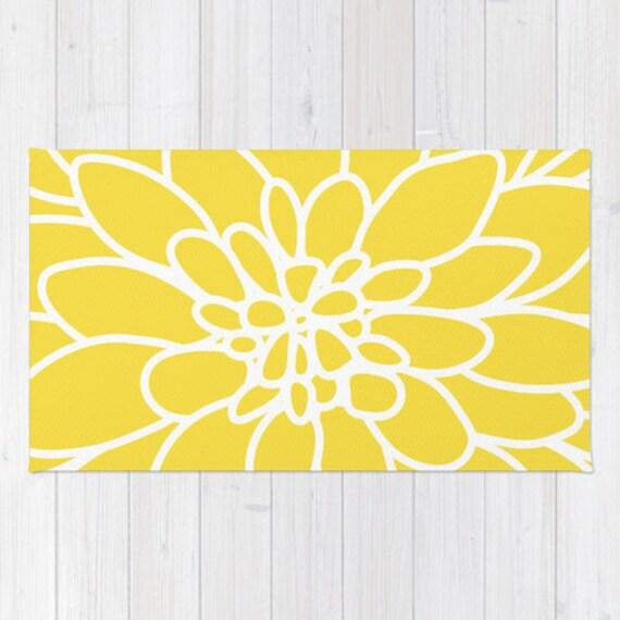 modern dahlia flower rug area rug yellow and white flower. Black Bedroom Furniture Sets. Home Design Ideas