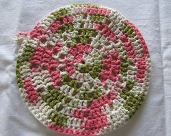 Round potholder - Double thick hotpad - Crochted Trivet - 100% Cotton - Coral, Green and Cream