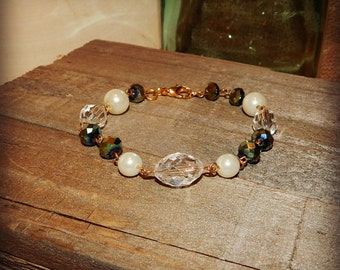 Gold platted Emerald and Pearl Beaded Chain Bracelet, Fashion Jewelry, Cowgirl Bling, Beaded Bracelet, Green/Pearl/Clear, READY TO SHIP