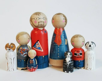 "CUSTOM peg family 8 // TWO 3 1/2"" parents + SIX 2 3/8"" (or smaller) kids/pets personalized peg dolls // family portrait // dollhouse family"