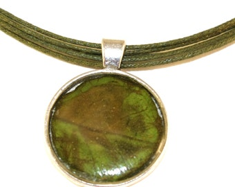 nature pendant with leaf