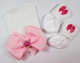 Newborn Hospital Hat, Newborn Socks, Newborn Hat, Newborn Photo Hat, Newborn Baby Hospital Hat, Baby Girl Hospital Hat, Newborn Keepsake