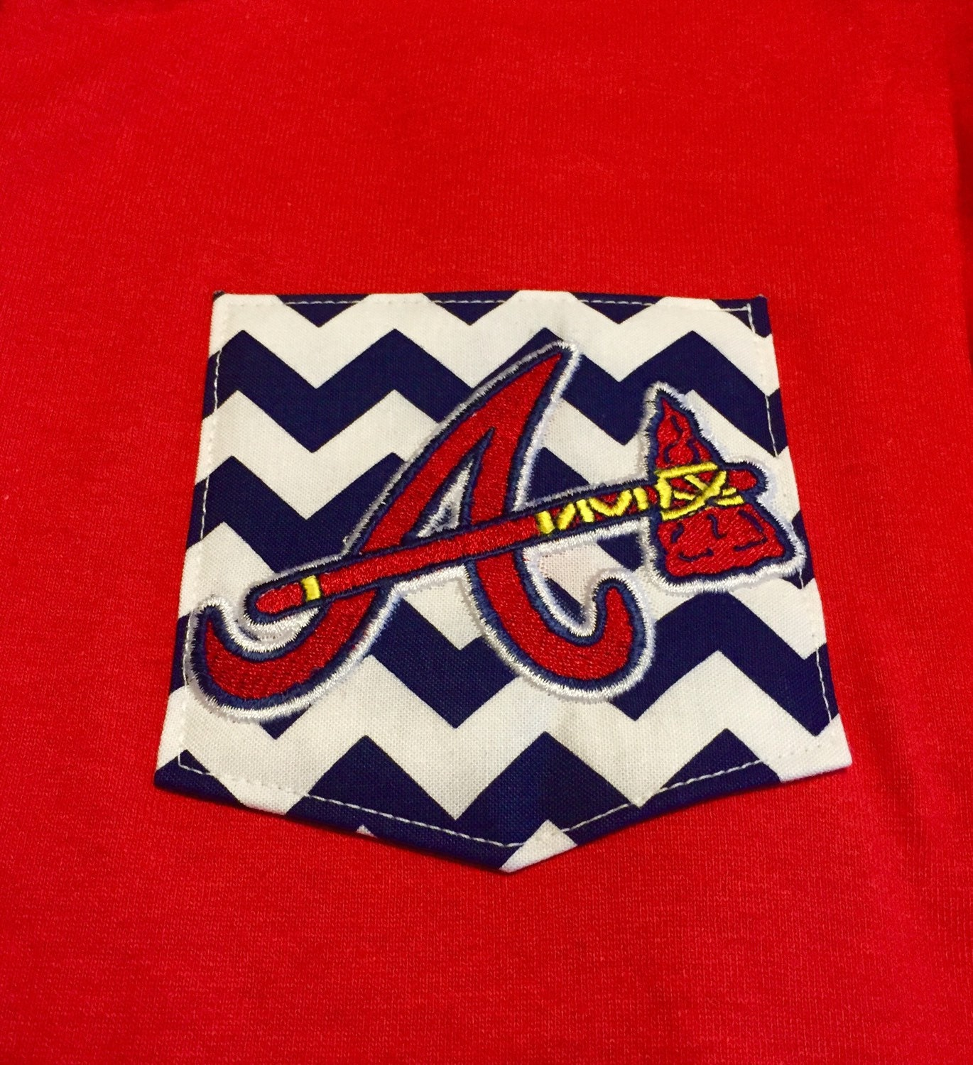 Shirt with chevron pocket and atlanta braves embroidery