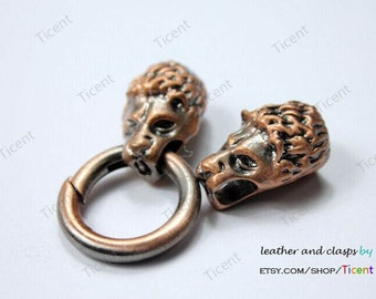 Wolf Clasp, Two Wolves Heads Biting A Ring, Antique Red Copper, 9mm Hole MT552