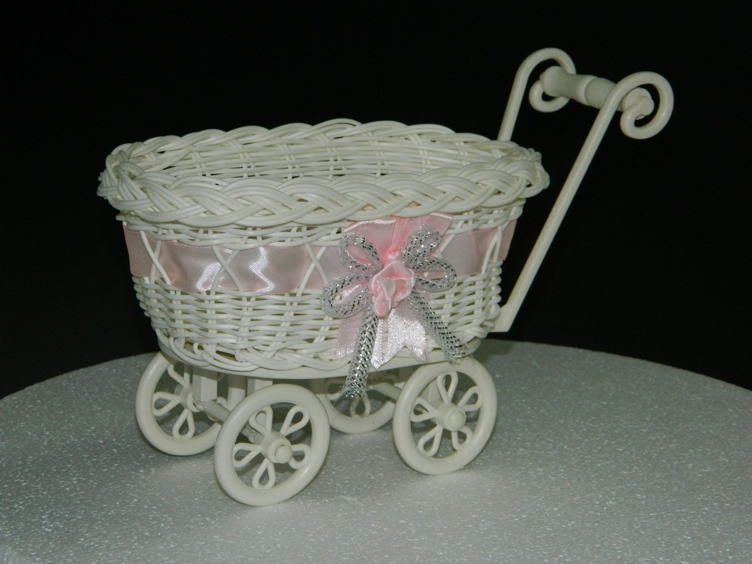 Baby shower decoration vintage baby carriage carriage for Baby carriage decoration