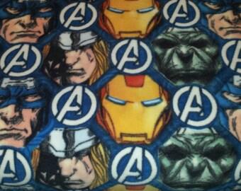 Marvel comics  The Avengers ( Ironman, Captain America, Incredible Hulk and Thor ) fleece tie blanket 36 X 58