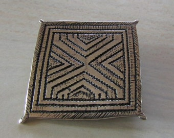 Sterling Silver Rug Pattern Pin