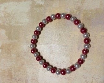 raspberry and white glass pearl stretch bracelet