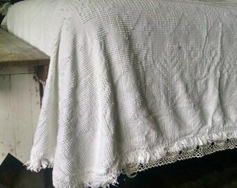 1940s White Chenille Bedspread