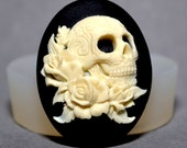 SKULL SILICONE MOLD  Cameo Flexible  Mould For Resin Polymer Clay Chocolate Food Safe grade silicone icing wax plaster goth halloween cameo