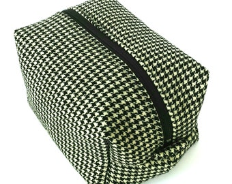 Houndstooth Makeup Bag, Monochrome Box Toiletry Bag, Black White Bridesmaid Gift, Black and White Wedding Gift, Houndstooth Travel Pouch
