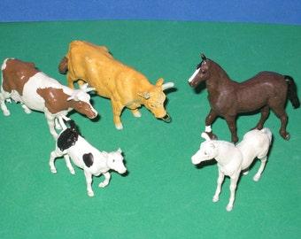 Lot of 5 Vintage Britains Ltd Toy Plastic Farm Animals - Horses & Cows