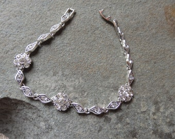 CLEARANCE/SALE  Fashion Bracelet Costume Jewelry Silver 7 1/2 inches in length Great Shape chain link Bracelets