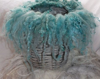 felted sheep wool hair band Newbornfoto turquoise